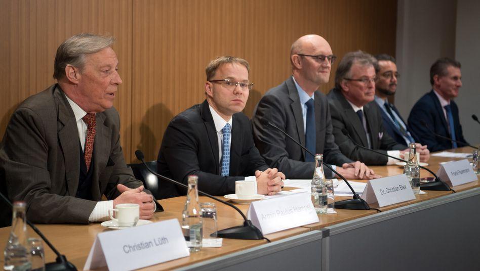 Bundestagsabgeordneter Frank Pasemann (3. v. links): Einst in der DDR-Blockpartei LDPD, dann in der FDP und zuletzt in der AfD