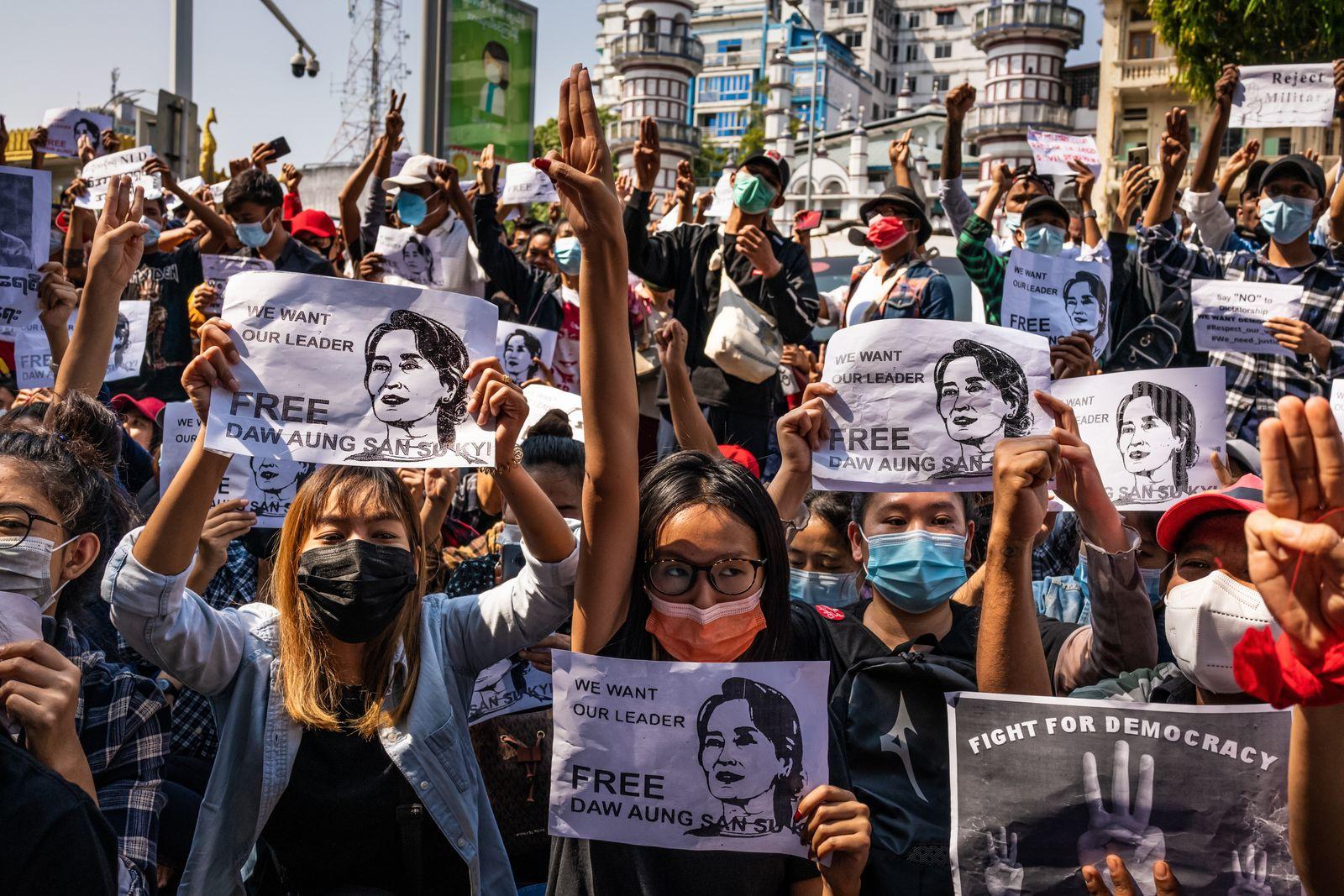 Protesters Block Roads As Civil Disobedience Grows in Myanmar