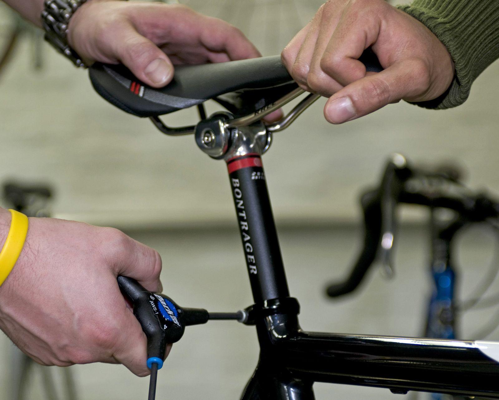 EINMALIGE VERWENDUNG Fahrrad / Sattel