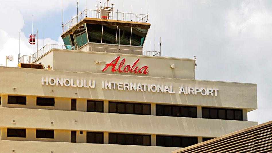 Erst am Flughafen in Honolulu bemerkten Kontrolleure Fehler im Impfzertifikat