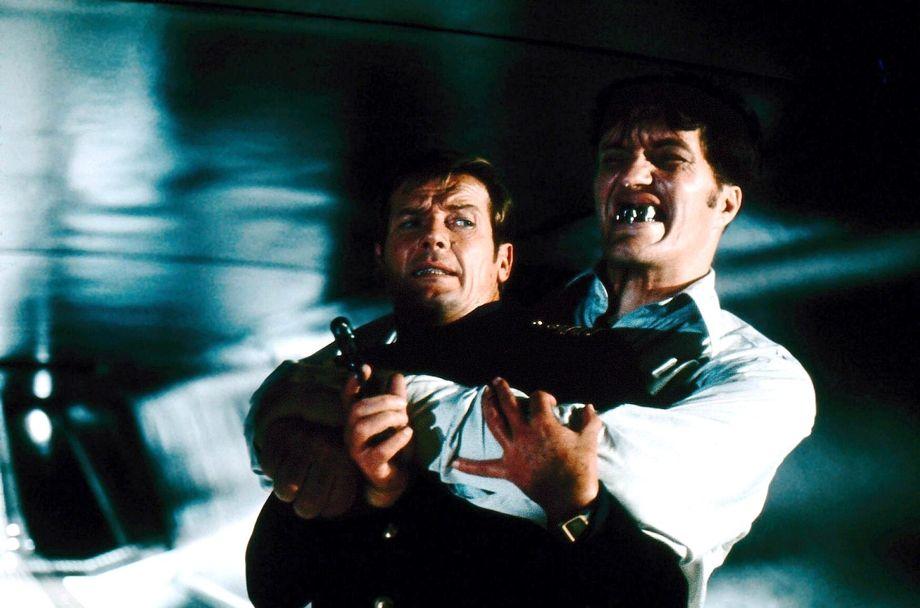 Actionfilm Von 1983 Mit Roger Moore Als James Bond