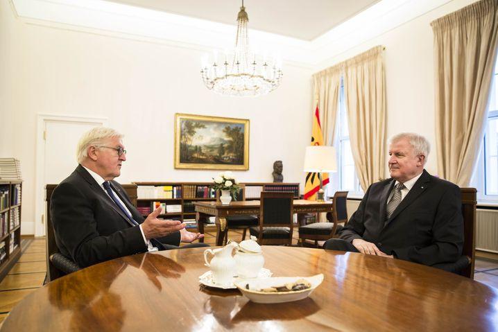 Bundespräsident Steinmeier, Seehofer