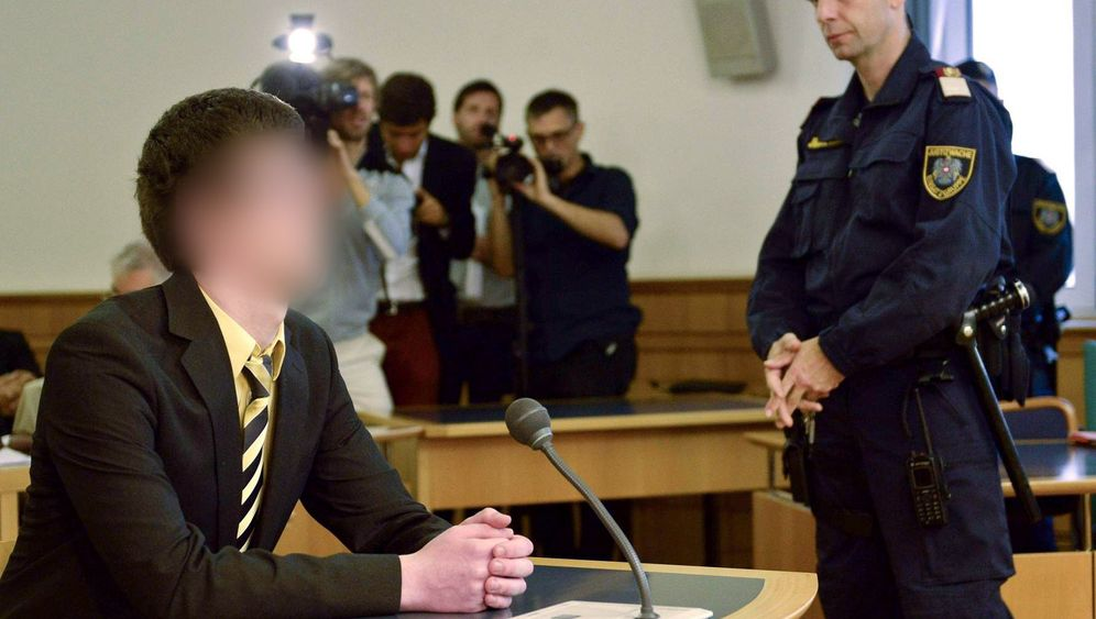 """Akademikerball-Krawalle: Josef S. und die """"BOYKOTT""""-Jacke"""