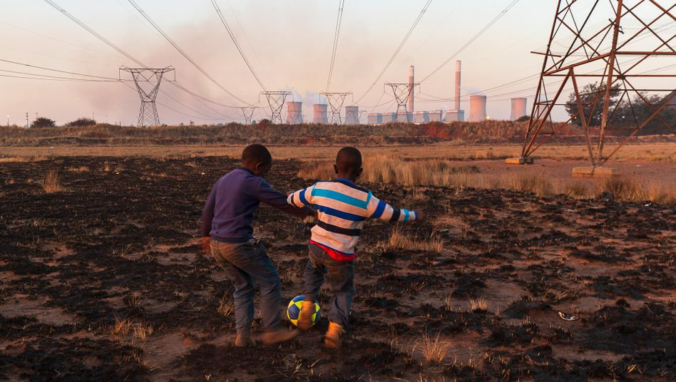Power plants, power lines and coal dust in the South African region of Mpumalanga