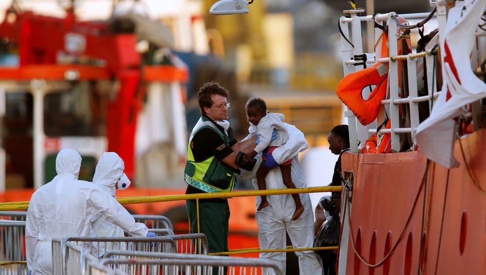 """Die """"Lifeline"""" im Hafen von Malta"""