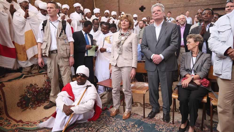 Daniela Schadt: First Lady in Afrika