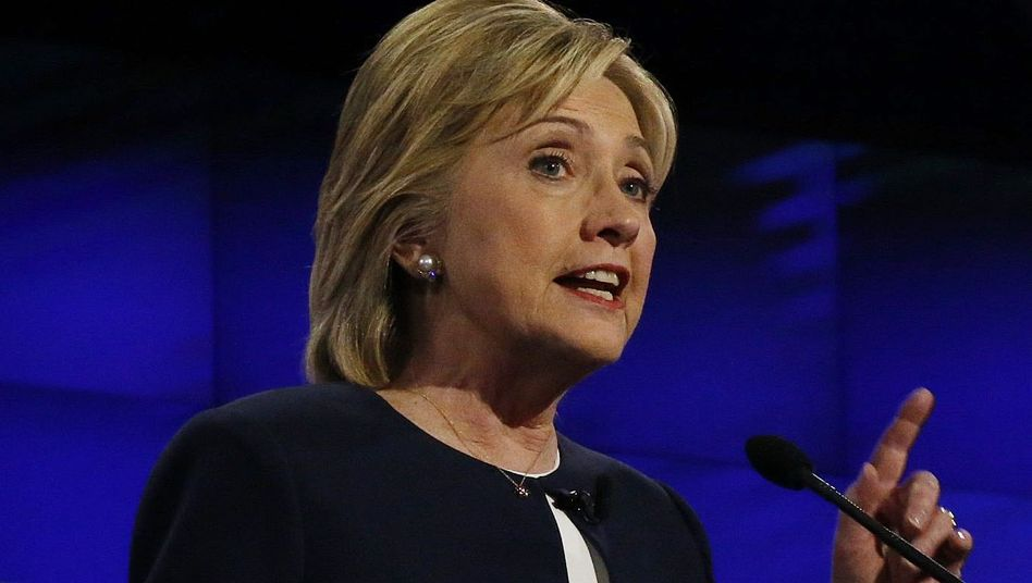 """Clinton zu Paris-Anschlägen: """"Der IS muss nicht eingedämmt - er muss besiegt werden"""""""