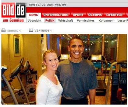 Bild reporter Judith Bonesky with Barack Obama in the gym.