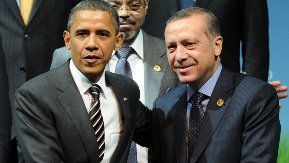 US President Barack Obama with Turkish Prime Minister Recep Tayyip Erdogan at the recent G-20 summit in Seoul: The diplomatic cables reveal that US diplomats have grave doubts about Turkey's dependability.