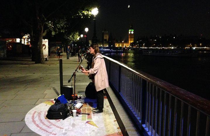 Susana Silva an ihrem Stammplatz an der Londoner South Bank