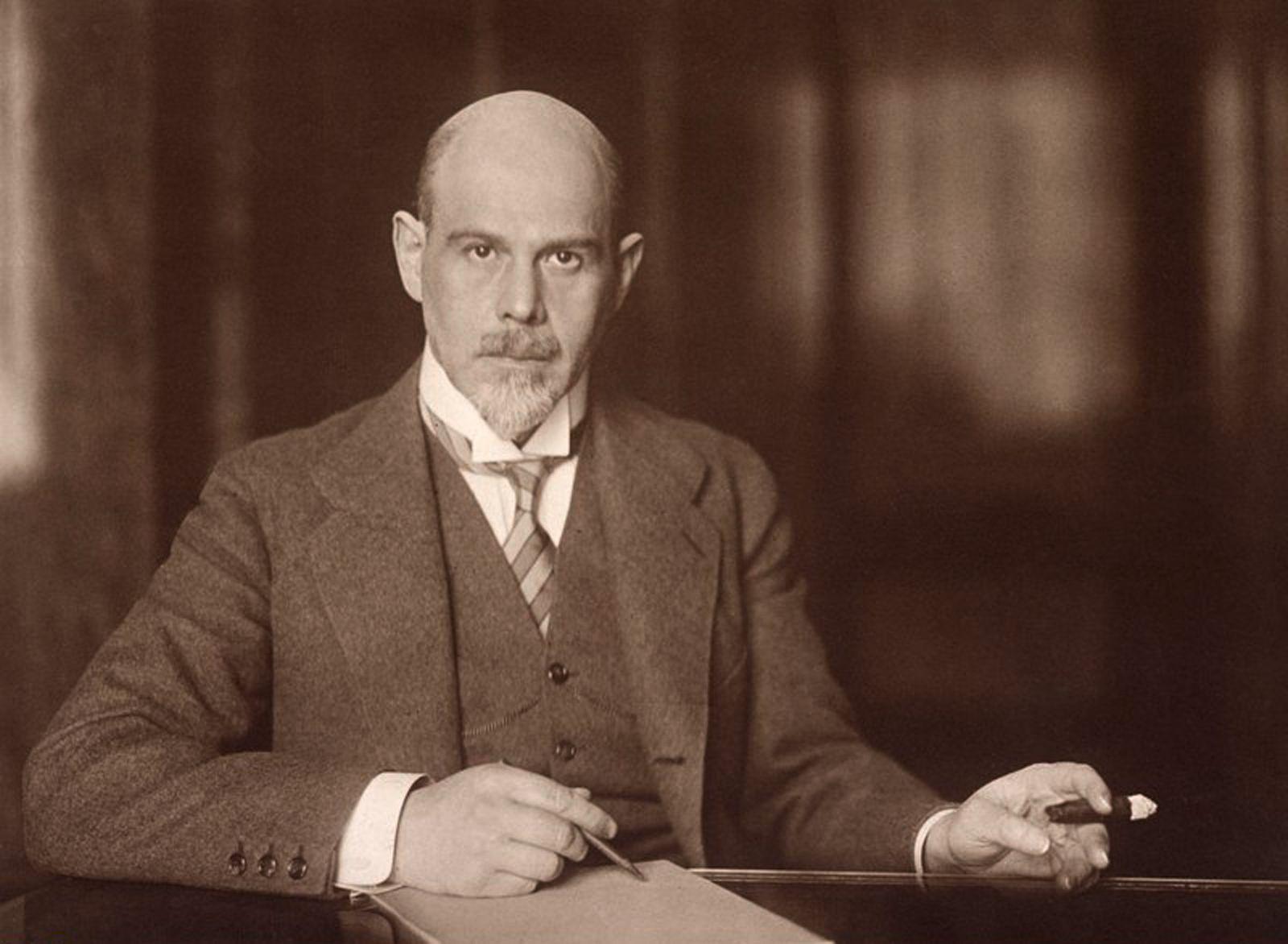 Walther Rathenau am Schreibtisch