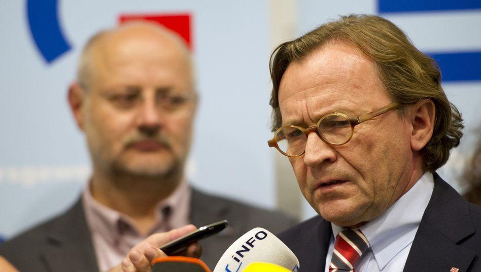 """Gewerkschaftschef Kirchner (l.), Personalvorstand Weber: """"Gemeinsam arbeiten"""""""
