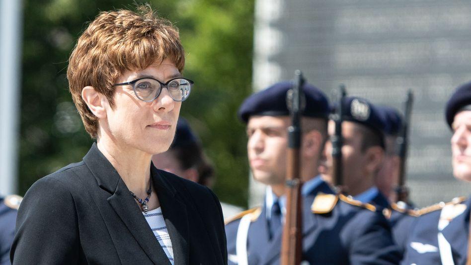 Ihr Schritt ins Verteidigungsministerium gilt als heikles Unterfangen: CDU-Chefin Annegret Kramp-Karrenbauer hatte bisher einen Ministerposten ausgeschlossen.