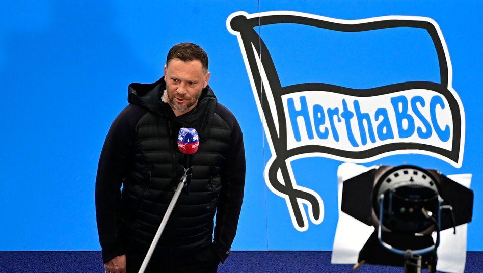 Herthas Trainer Pál Dárdai ist unter den vier Corona-Infizierten des Hauptstadtklubs