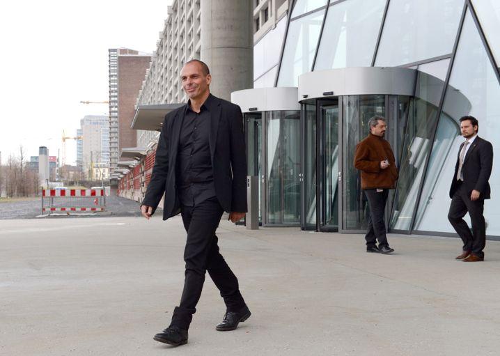 Varoufakis vor EZB-Zentrale in Frankfurt: Nicht über die Entscheidung informiert