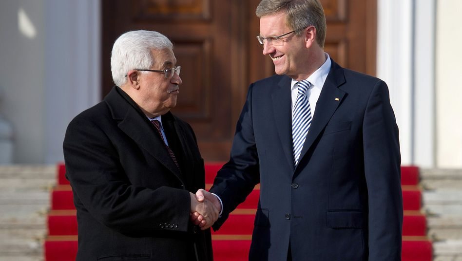 """Palästinenserpräsident Abbas (l.), Bundespräsident Wulff: """"Mut und Weitsicht"""""""
