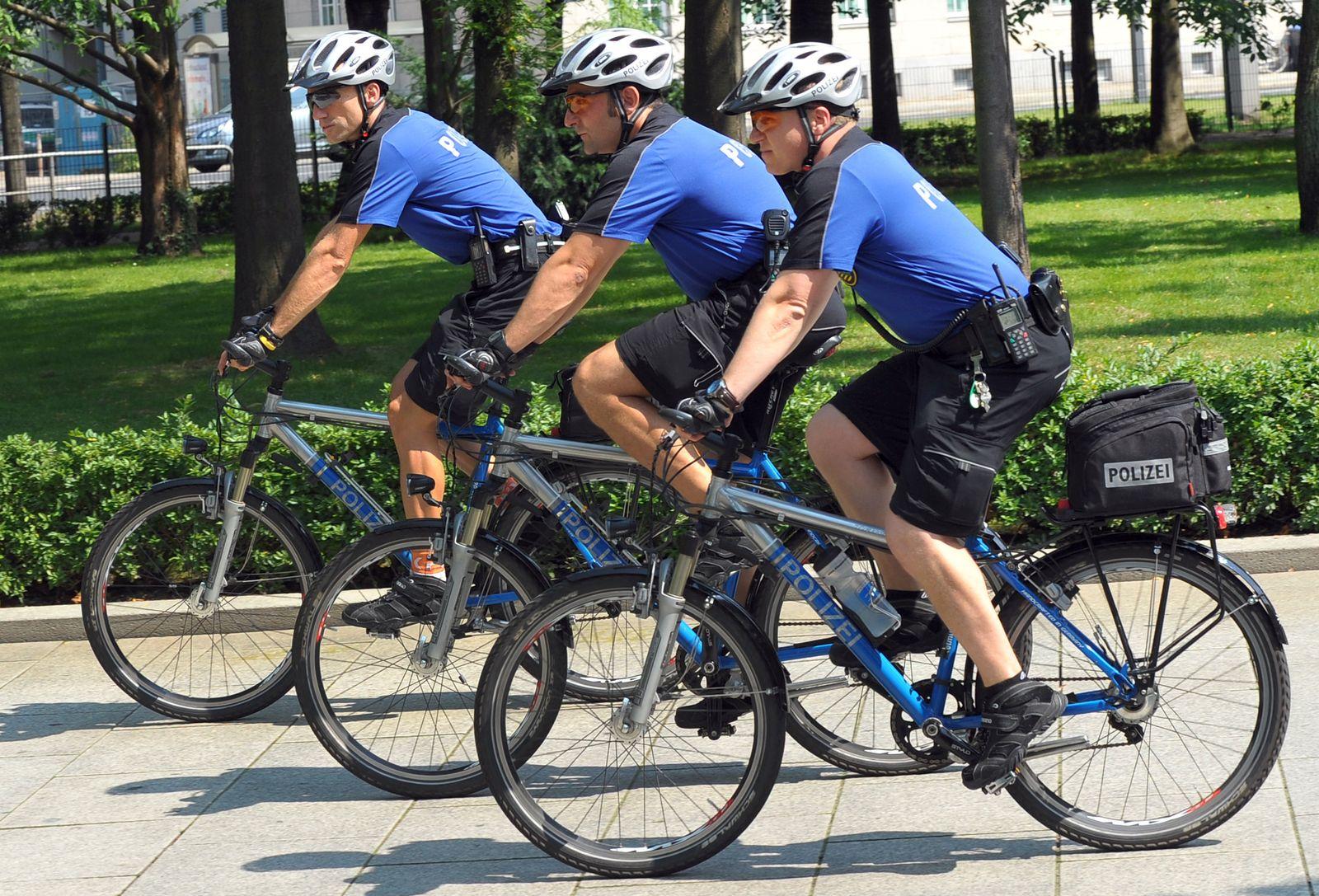 Drahtesel statt Blaulicht / Fahrradstreife der Dresdner Polizei