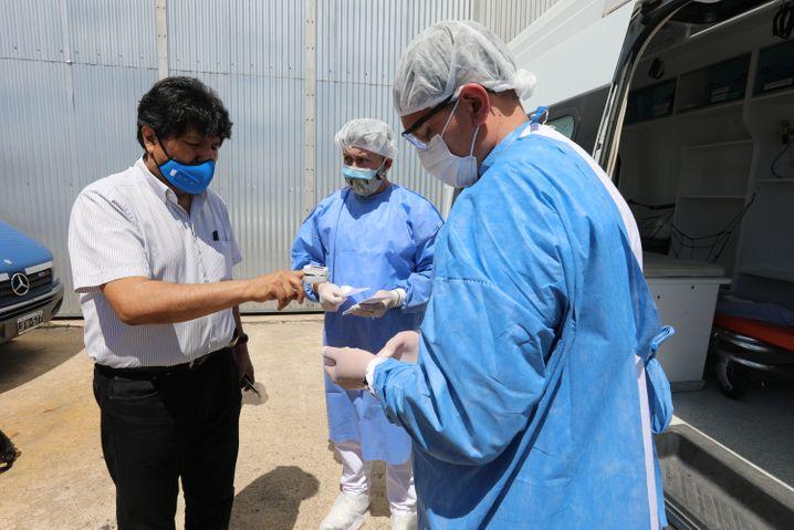 Evo Morales bei einem Gesundheitscheck im November