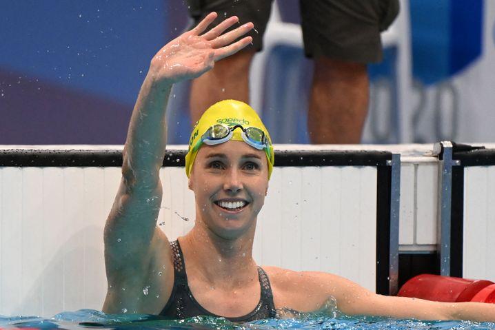 Emma McKeon freut sich über 50-Meter-Freistil-Gold