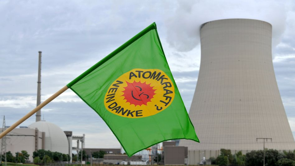A new wave of anti-nuclear protests could lead to even more support for Germany's Green Party.
