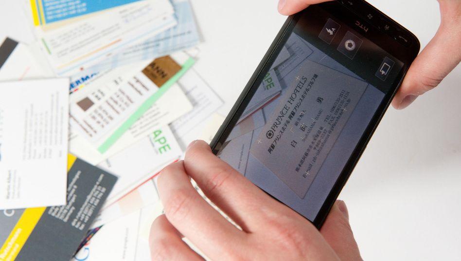 Handy, Visitenkarten: Per Software wird die Kamera zum Scanner