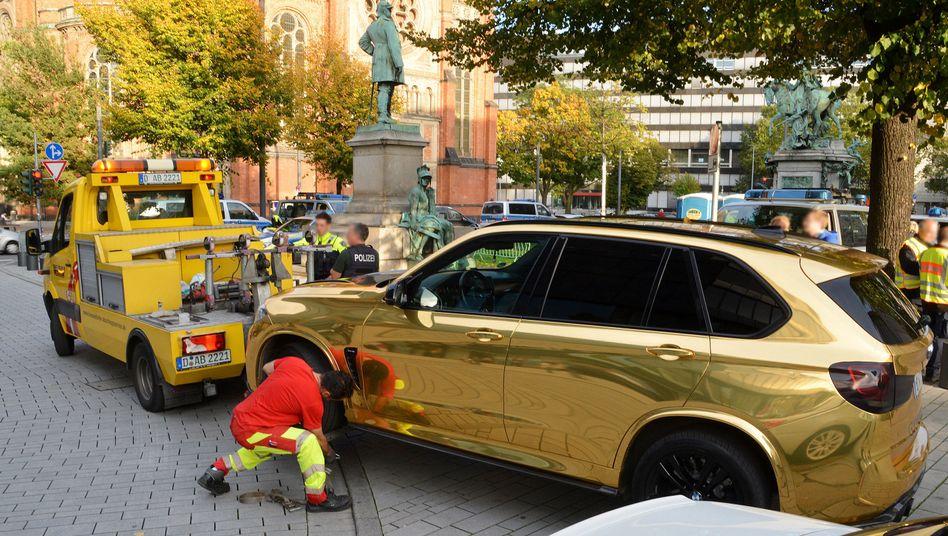 Der SUV fiel den Beamten bei einer Kontrolle gegen sogenannte Autoposer auf