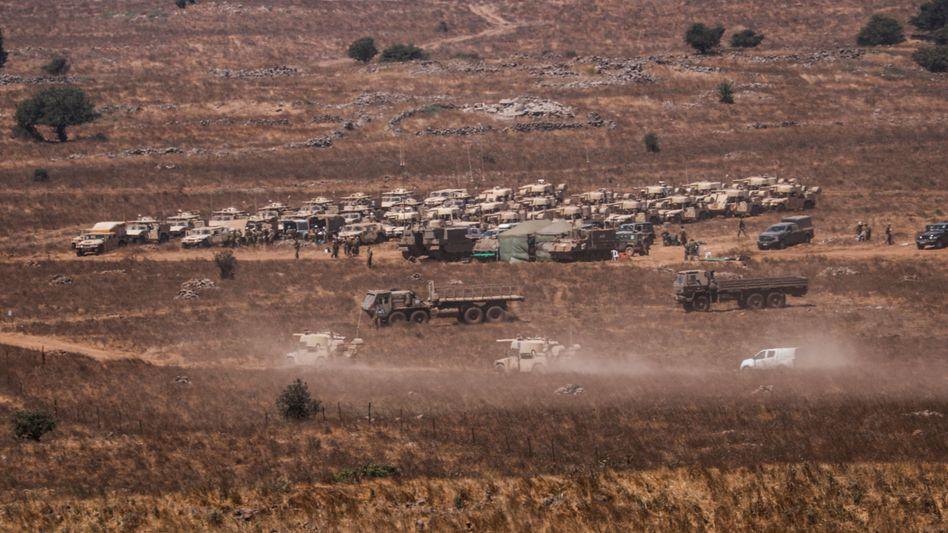 Israelische Truppen nah der Grenze zu Syrien in den Golanhöhen
