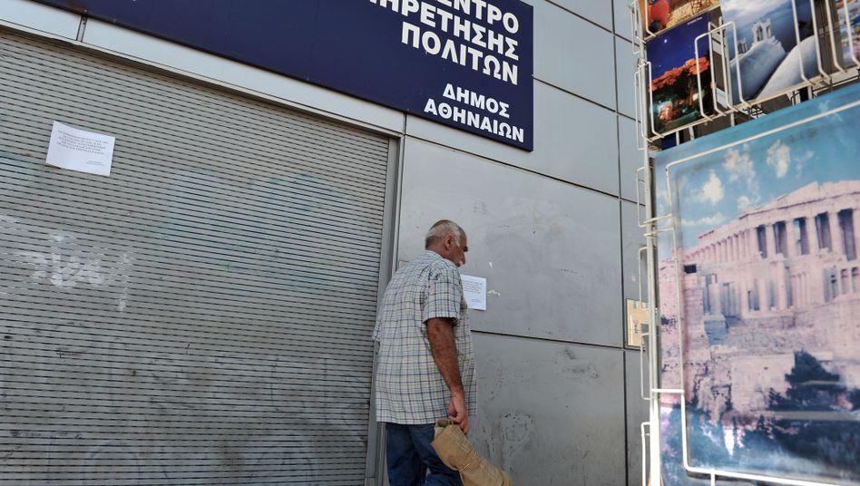 Geschlossene Behörde in Athen: Der Sparkurs trifft den öffentlichen Dienst
