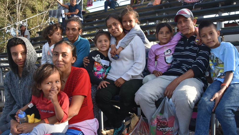 Flüchtlingskarawane in Mexiko: Hundert Meter vom gelobten Land