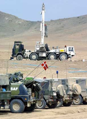 Dänische Militärfahrzeuge an der Unglücksstelle