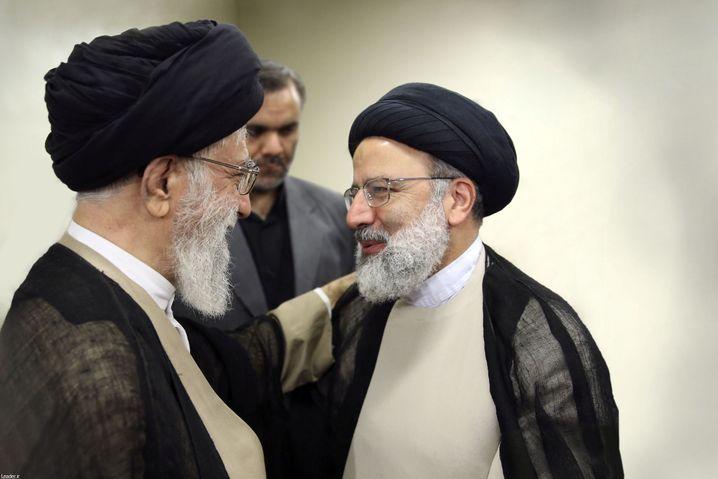 Ali Khamenei (l.) und Ebrahim Raisi