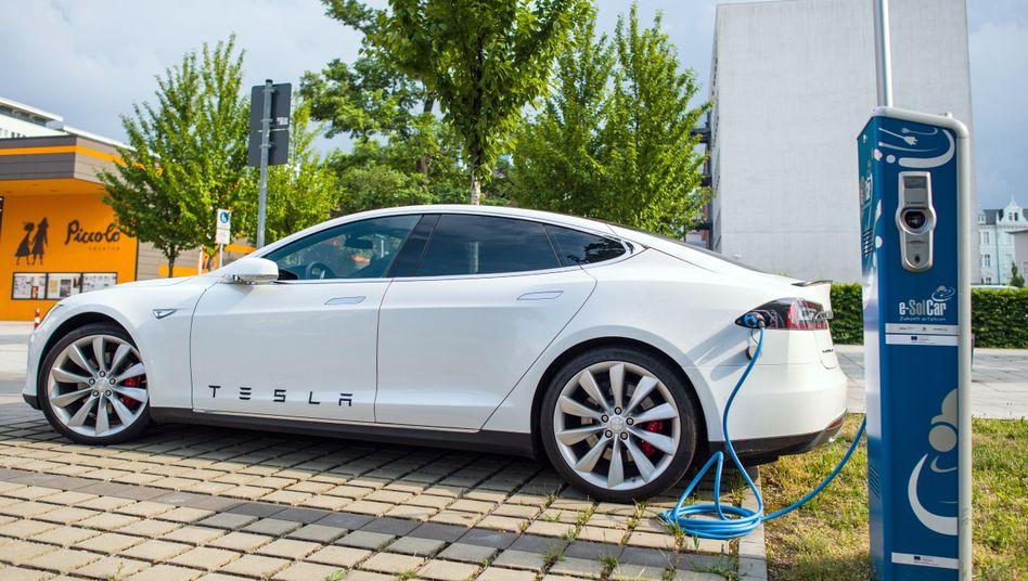 Tesla Model S (Symbolbild)