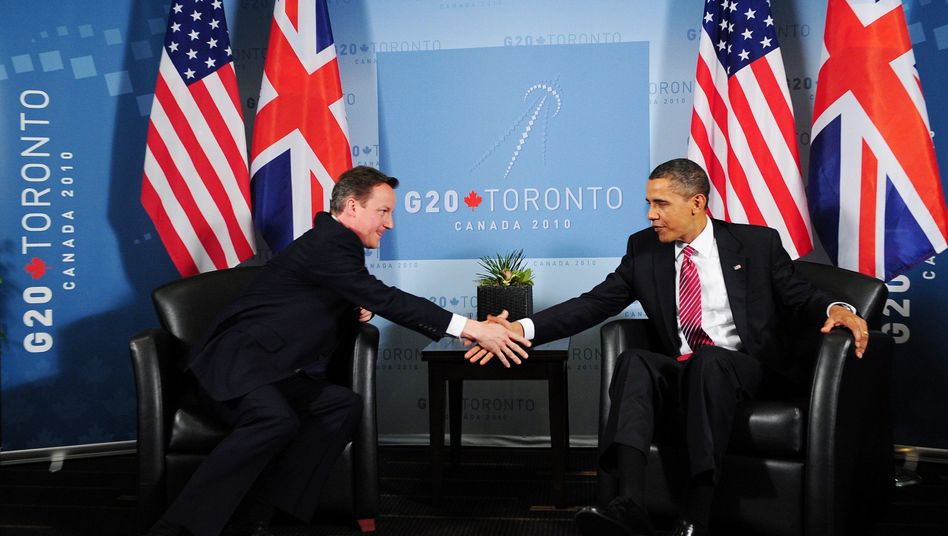 Barack Obama (r), David Cameron (l.): Charmeoffensive des US-Präsidenten