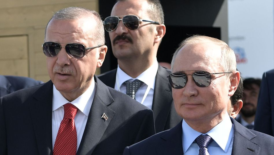 Erdogan (l.) und Putin Ende August in Moskau: Gespräch über die von Ankara geplante sogenannte Sicherheitszone