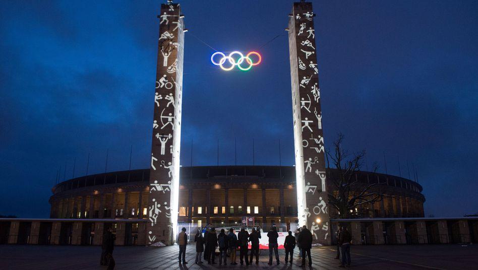 Olympische Ringe überm Berliner Olympiastadion: Neustart der olympischen Idee