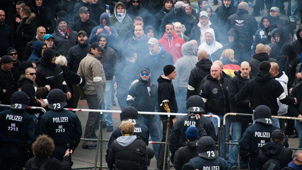 """""""HoGeSa""""-Demo in Hannover: Gelangweilt und aggressiv"""