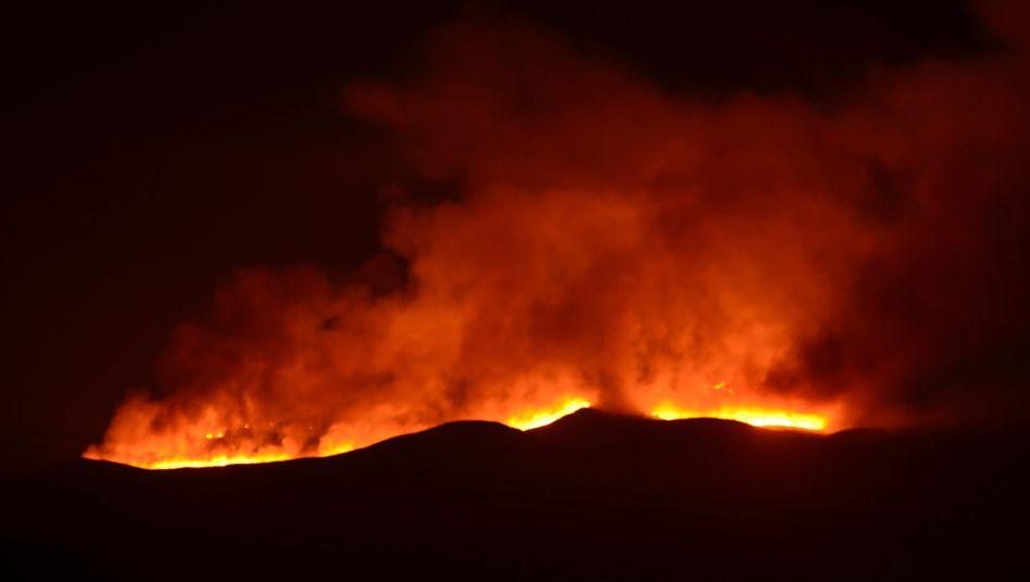Flammen auf dem Kilimandscharo