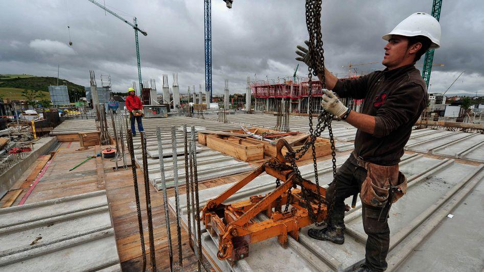 Baustelle in Spanien: Das mäßige Wachstum schwächt sich weiter ab