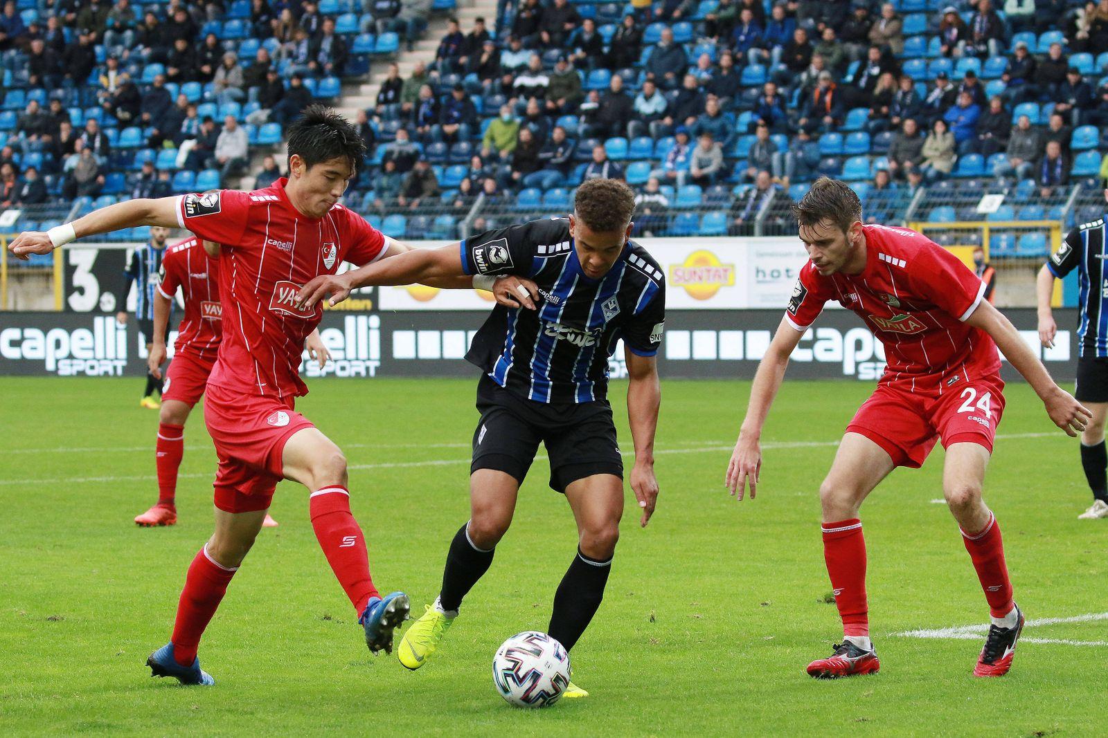 03.10.2020, xavx, Fussball 3.Liga, SV Waldhof Mannheim - Tuerkguecue Muenchen emspor, v.l. Yi-young Park (T¸rkg¸c¸ M¸nch
