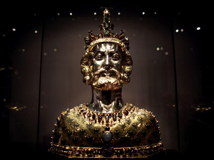 Büste Karls des Großen, fotografiert in der AachenerDomschatzkammer