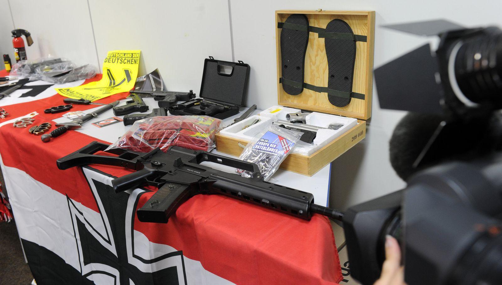 Dortmund/ Rechtsextremismus/ Razzia