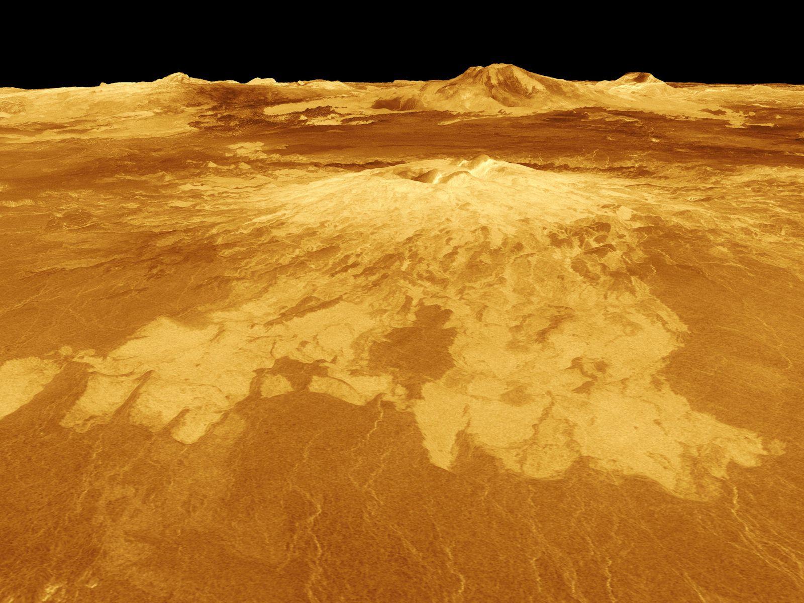 Venus - 3-D Perspective View of Sapas Mons
