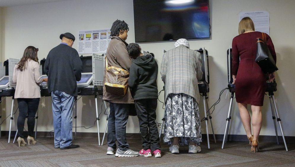 US-Vorwahlen: Der Super Tuesday in Bildern