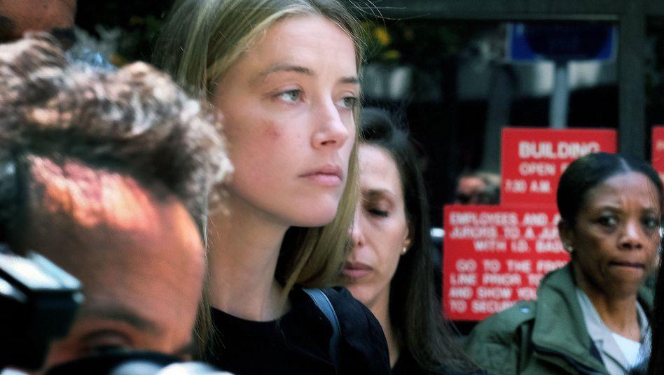 Amber Heard bei einem Gerichtstermin