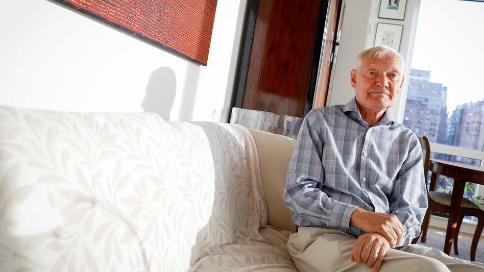 Joachim Frank in seiner Wohnung in New York
