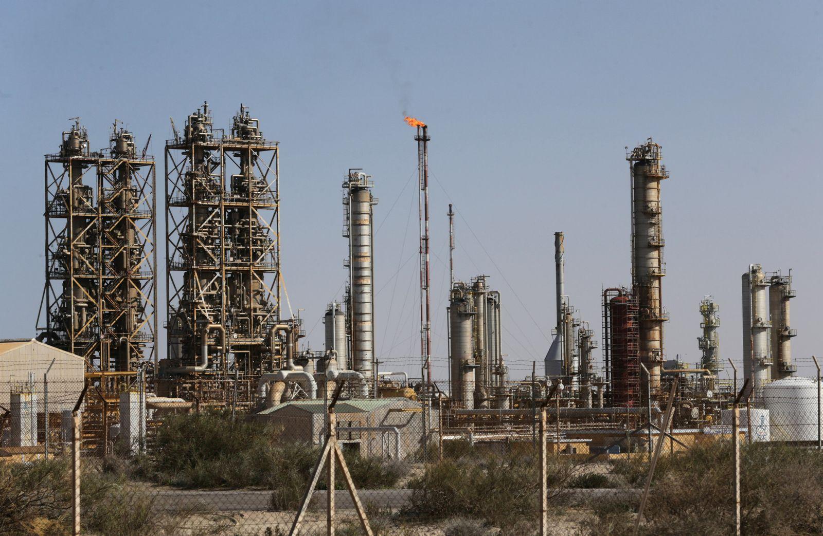 OPEC-OUTPUT/RISKS