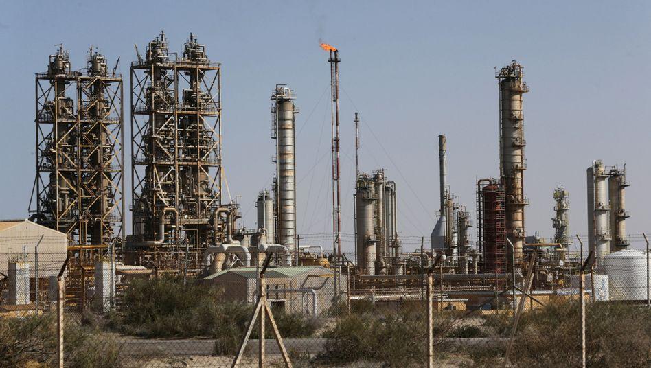 Ölraffinerie im libyschen Braga