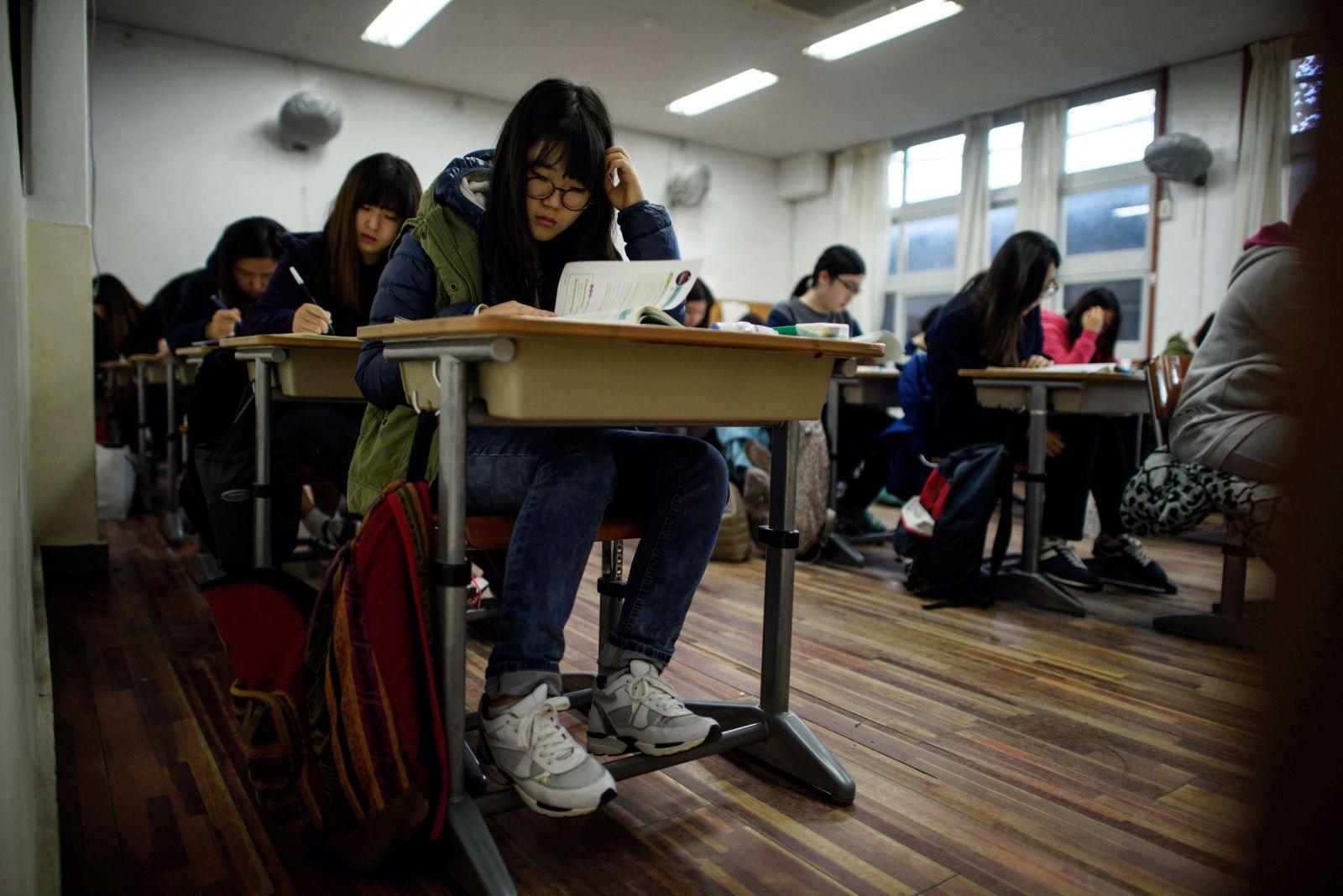 Südkorea / Universität / Aufnahmeprüfung