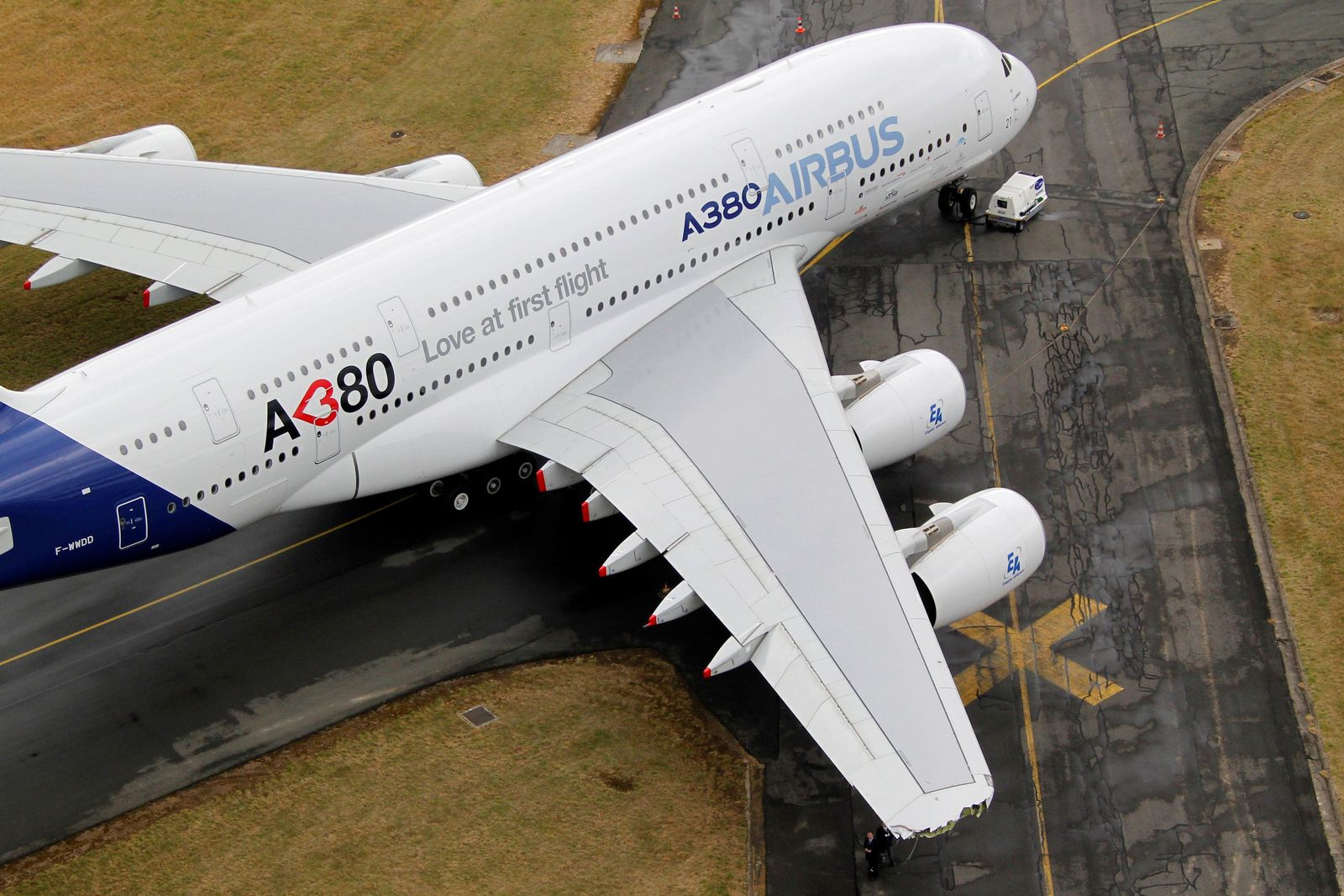 AIRBUS-A380/