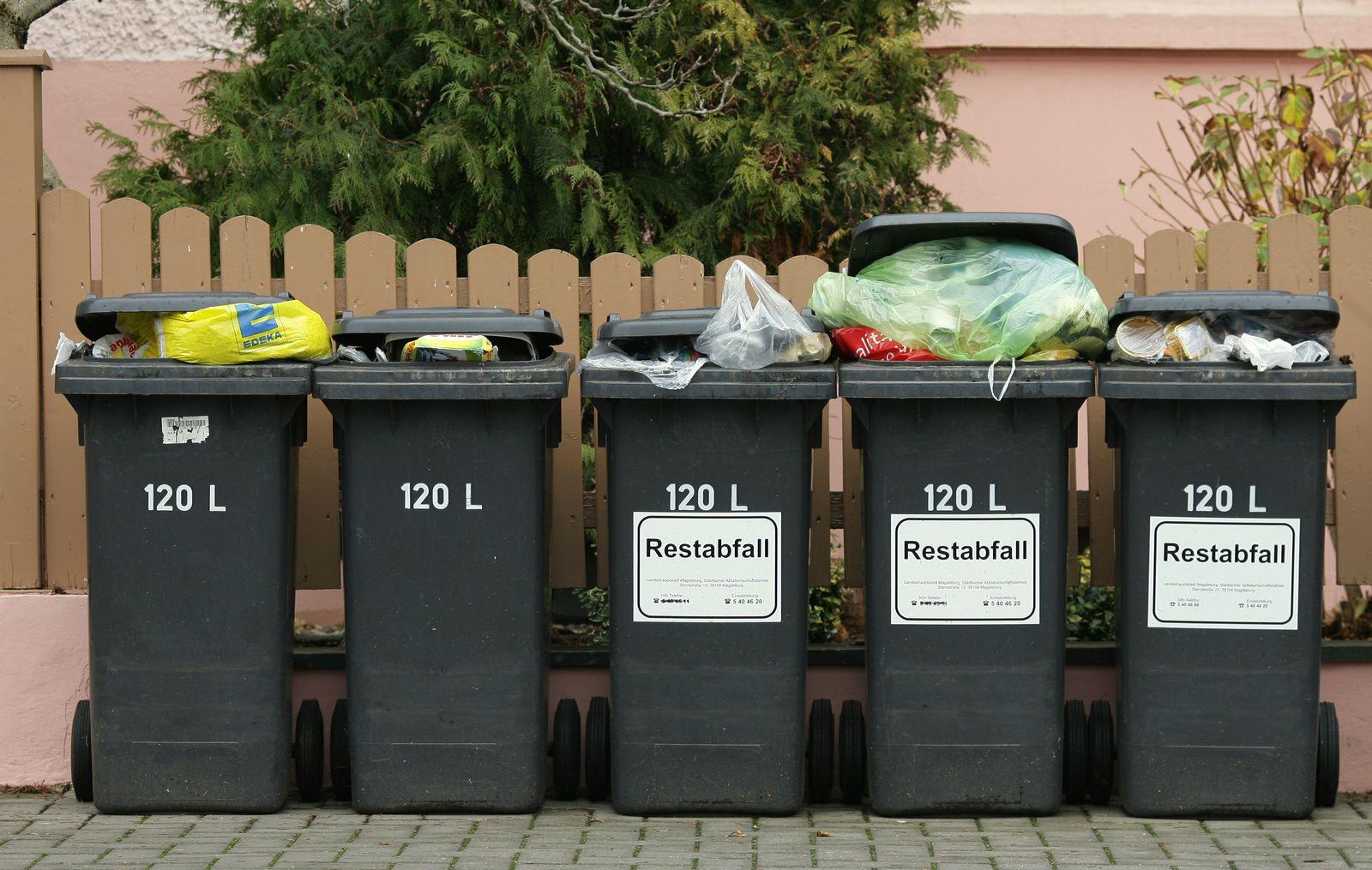 Müll/ Tonnen